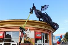 Lego_Store_Dragon